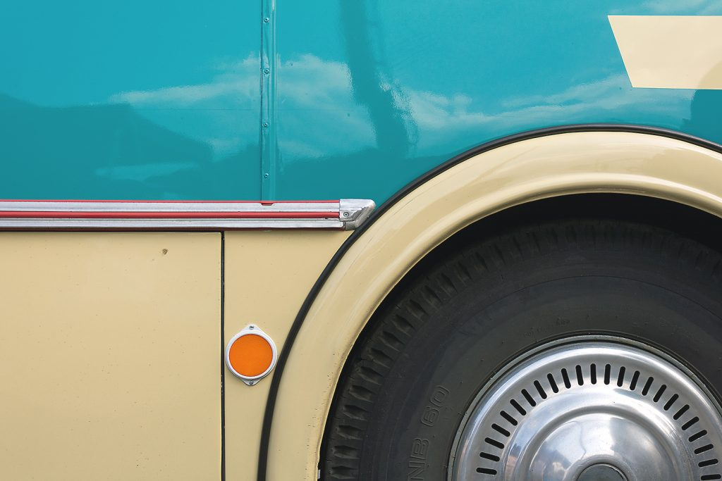 Old Škoda Bus - minimalism